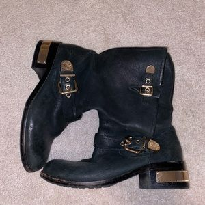 Vince Camuto size 8 black boot